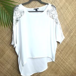 🛍3x$25 Forever 21. White crochet shoulder blouse